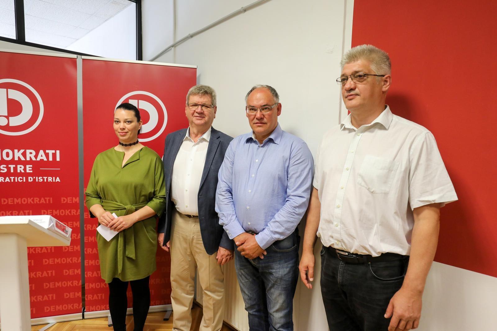 Maja Saric, Mirando Mrsic, Damir Kajin i Darko Tetec, photo-Srecko-Niketic-PIXSELL