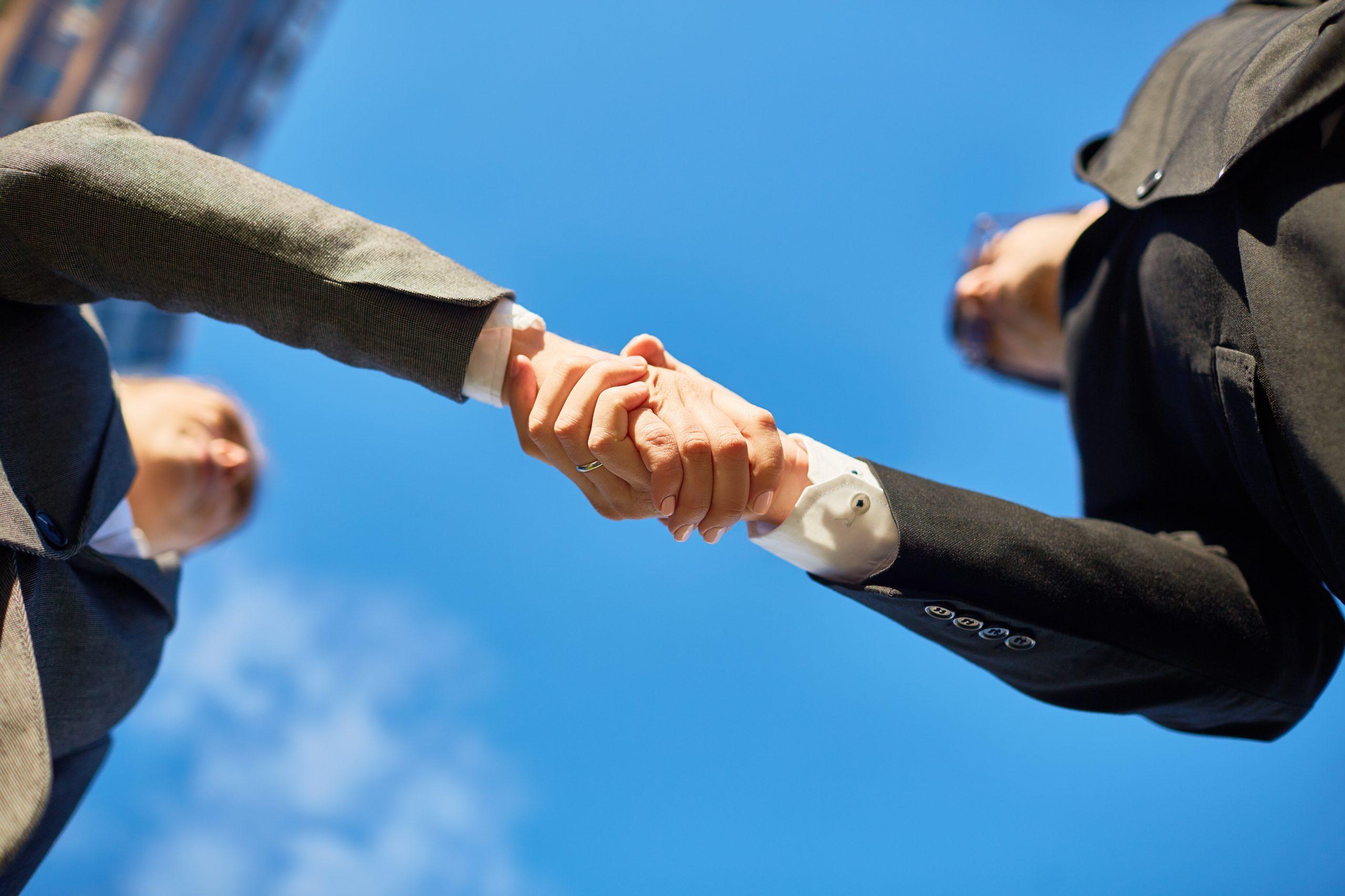 Ilustracija-rukovanje-pri-dogovoru-za-zaposlenje-izvor-freepik.comIlustracija - rukovanje pri dogovoru za zaposlenje, izvor: freepik.com